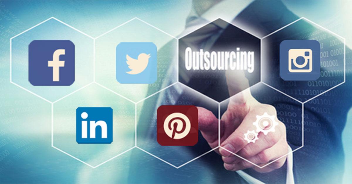 cabecera-externalización-redes-facebook