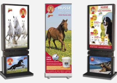 Diseño y producción carteles, roll ups y mupis Husse - Diseño gran formato A2 Colores
